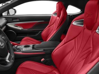 Půjčit si luxusní nebo sportovní auto je tak snadné